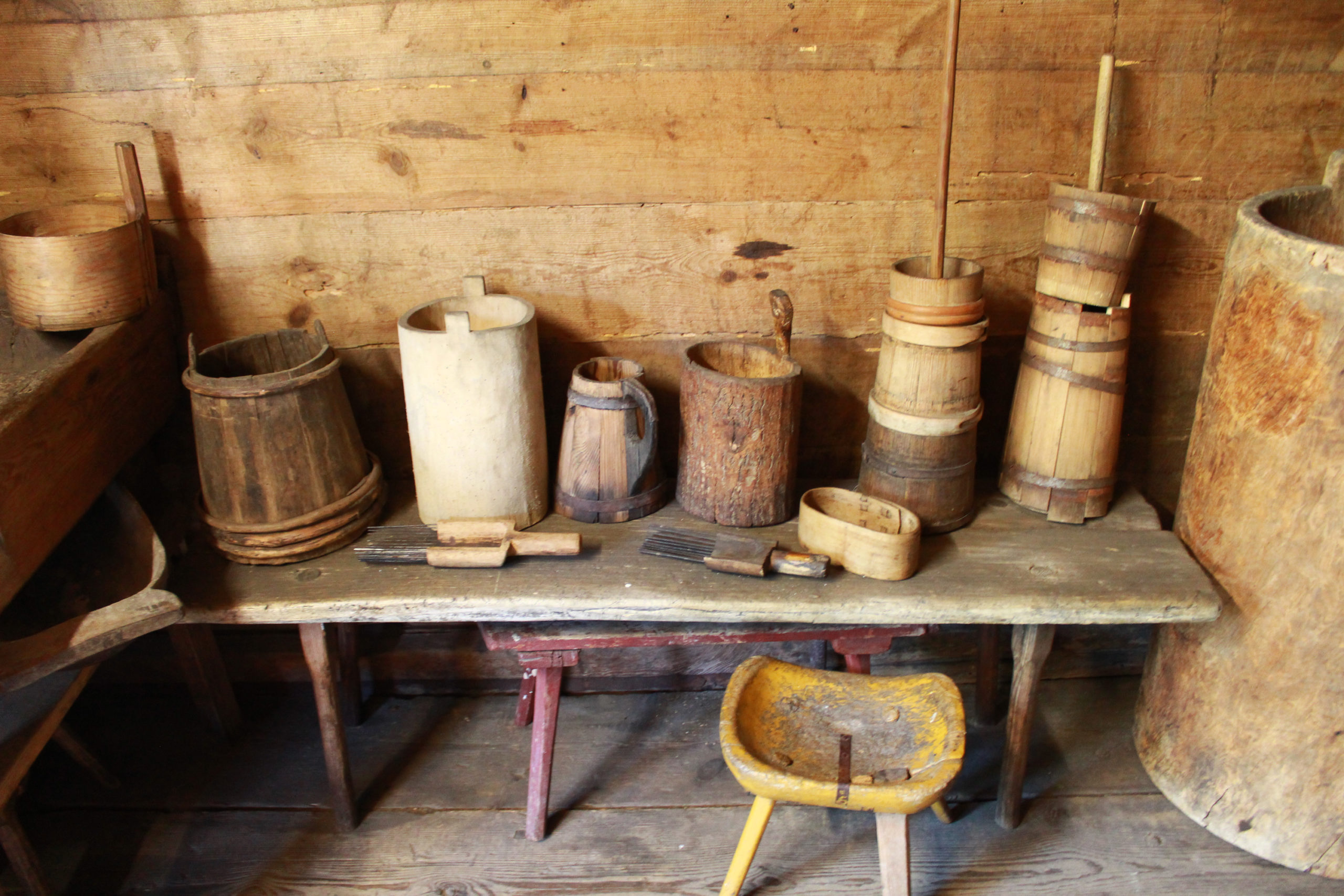 drewniane przedmioty gospodarcze