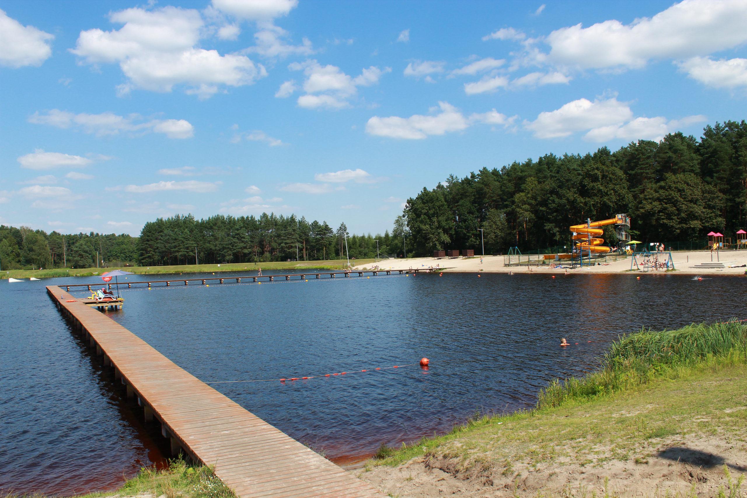 pomost na zbiorniku wodnym