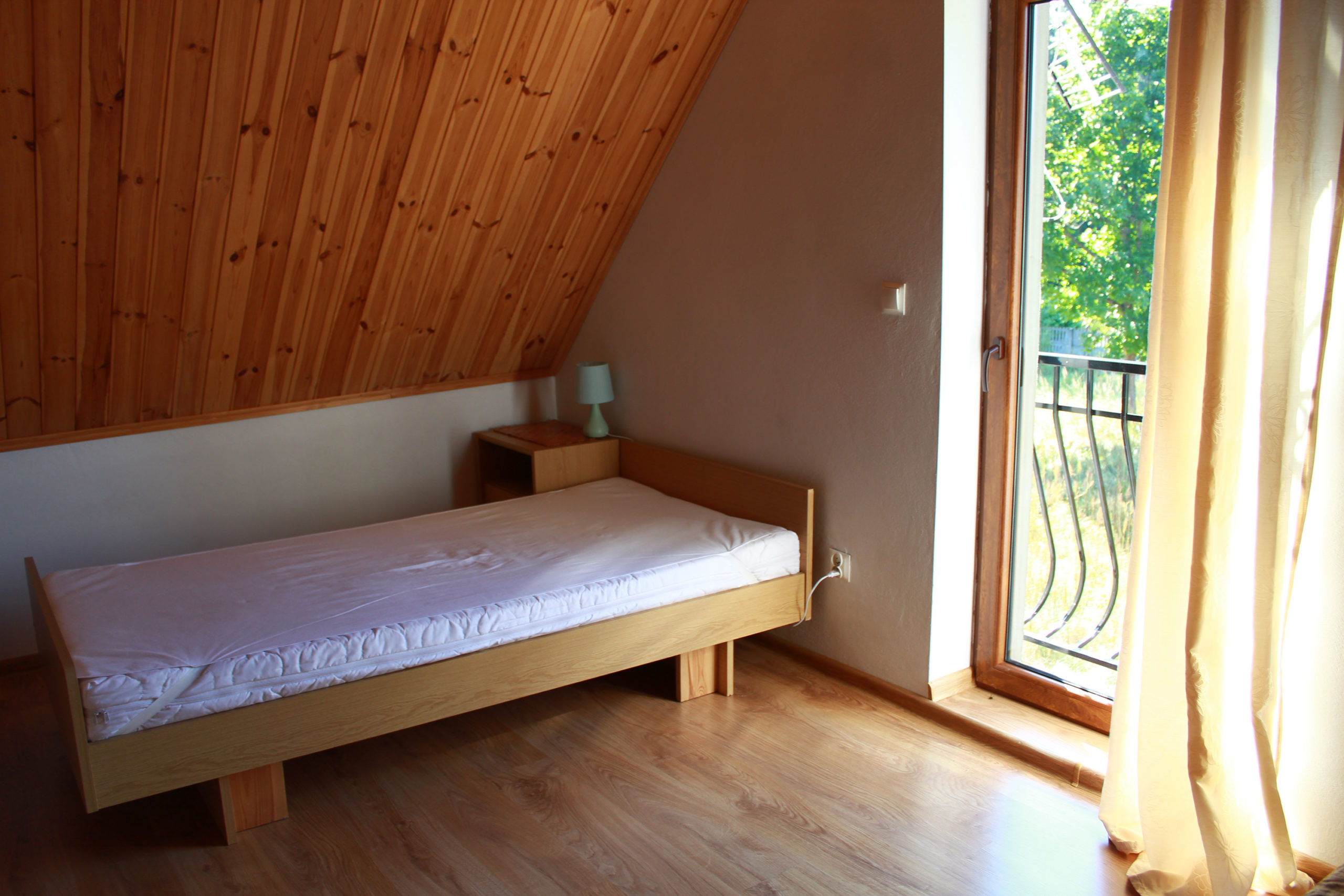 łóżko na poddaszu