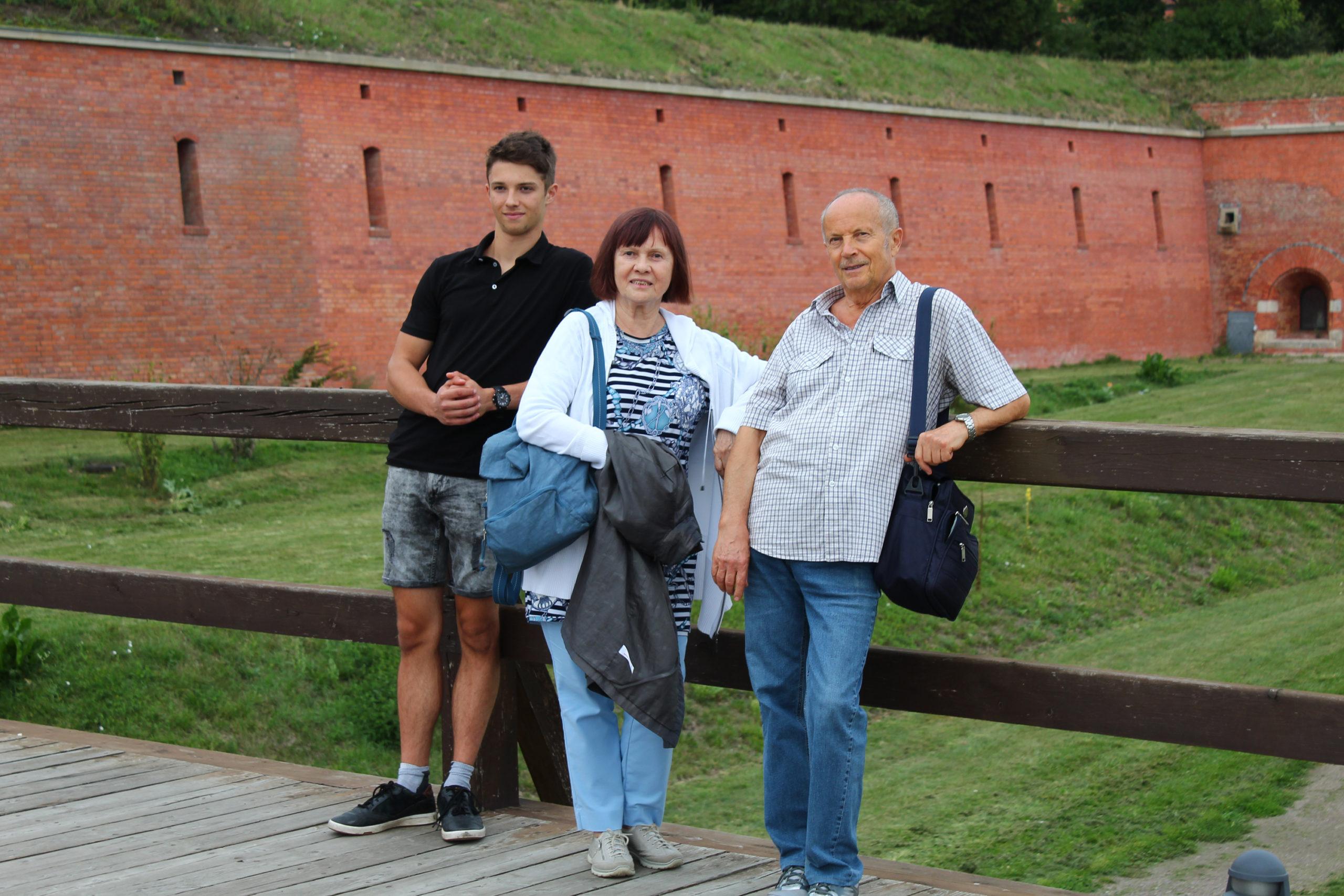 Rodzina na mostku