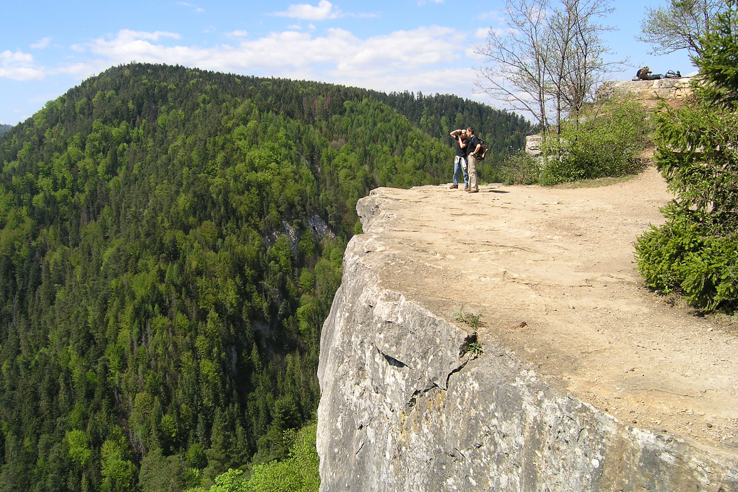 Klif i widok na góry