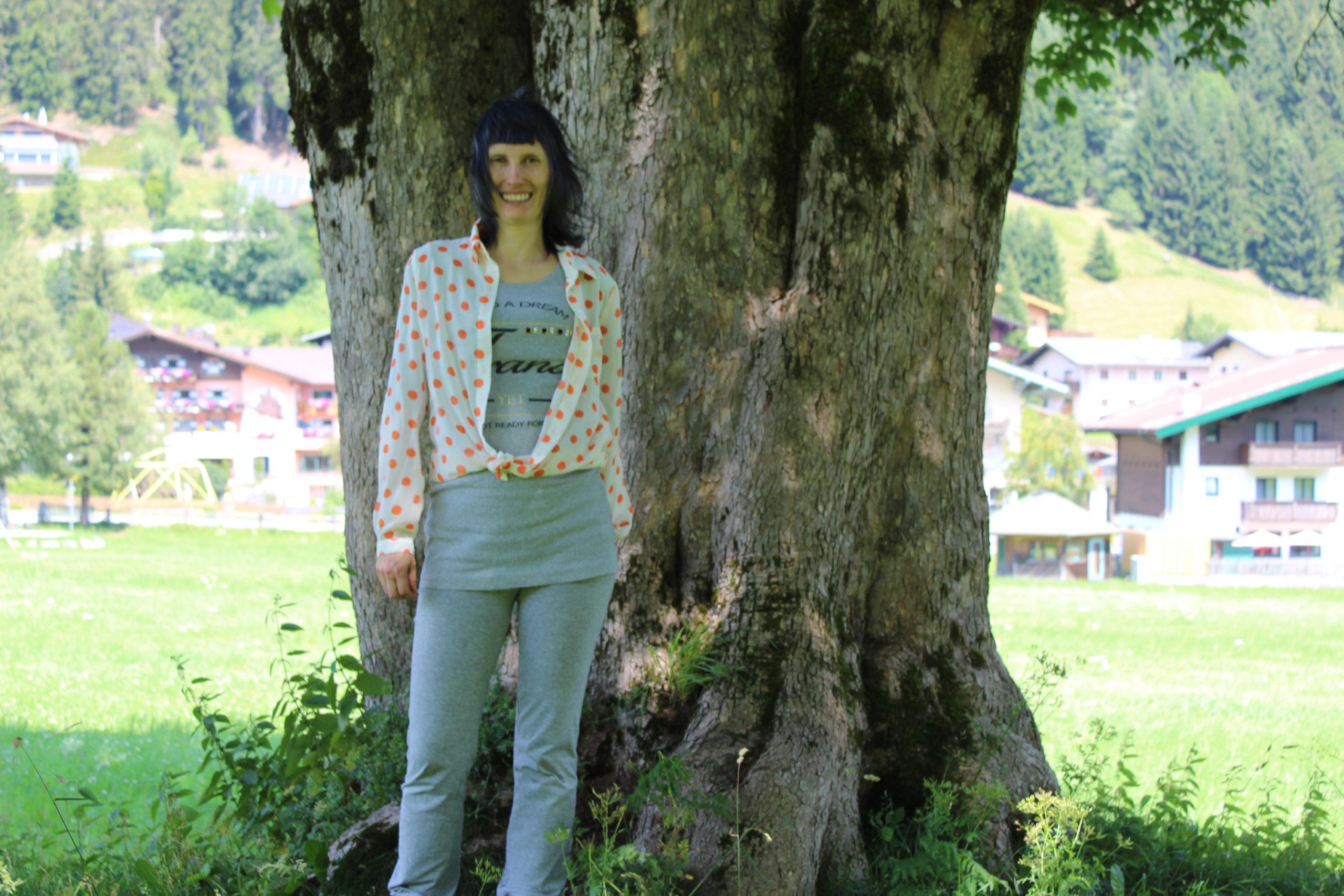 Viola pod drzewem