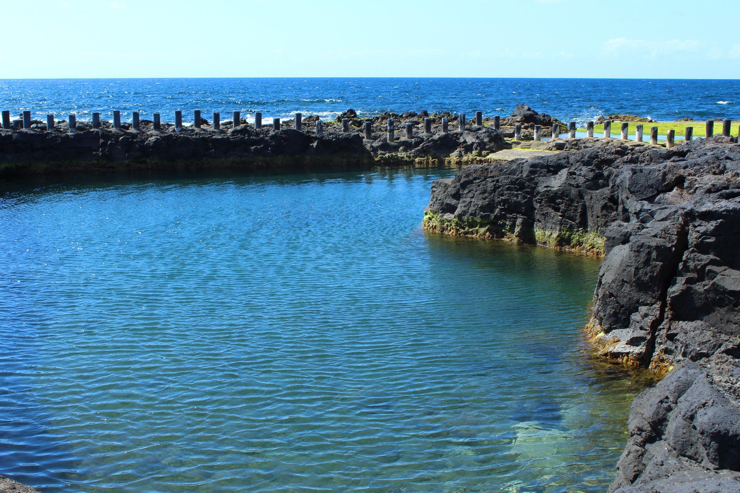 zbiornik wodny przy oceanie