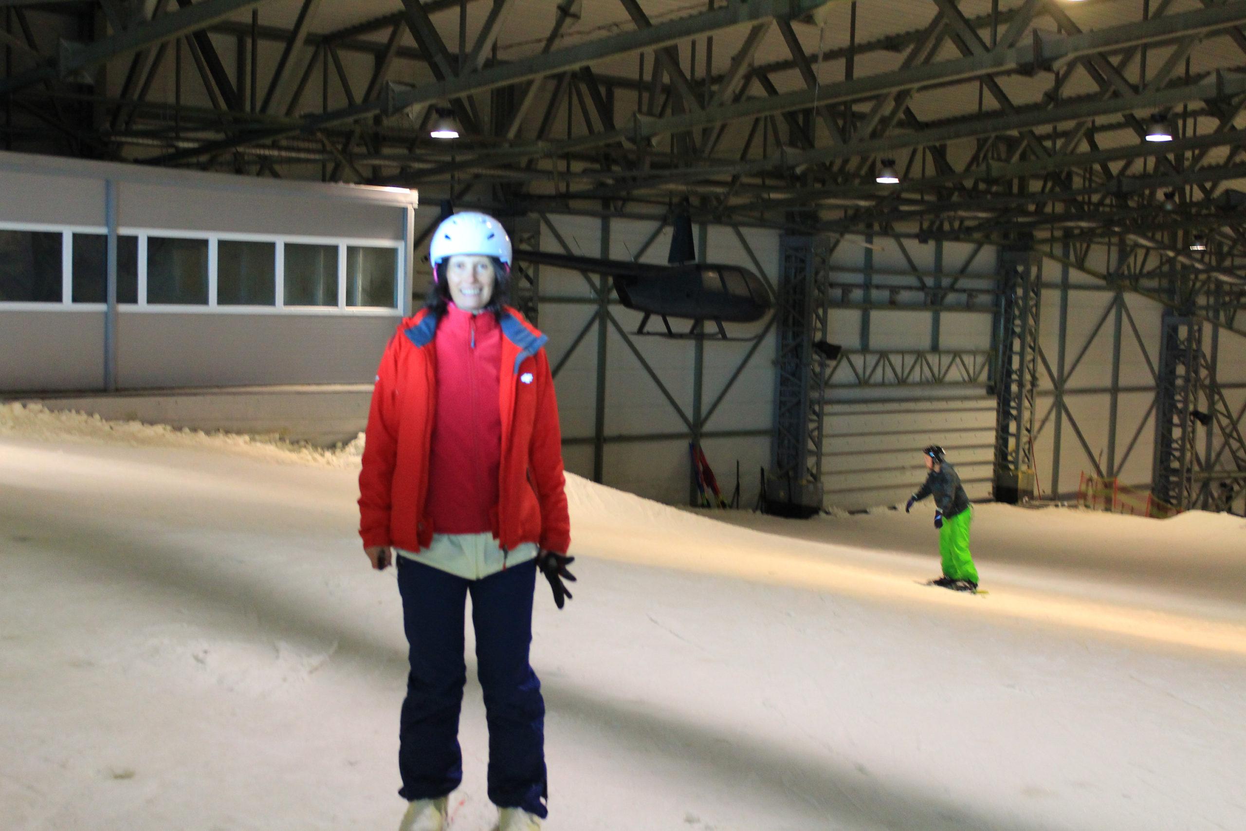 Viola na stoku narciarskim