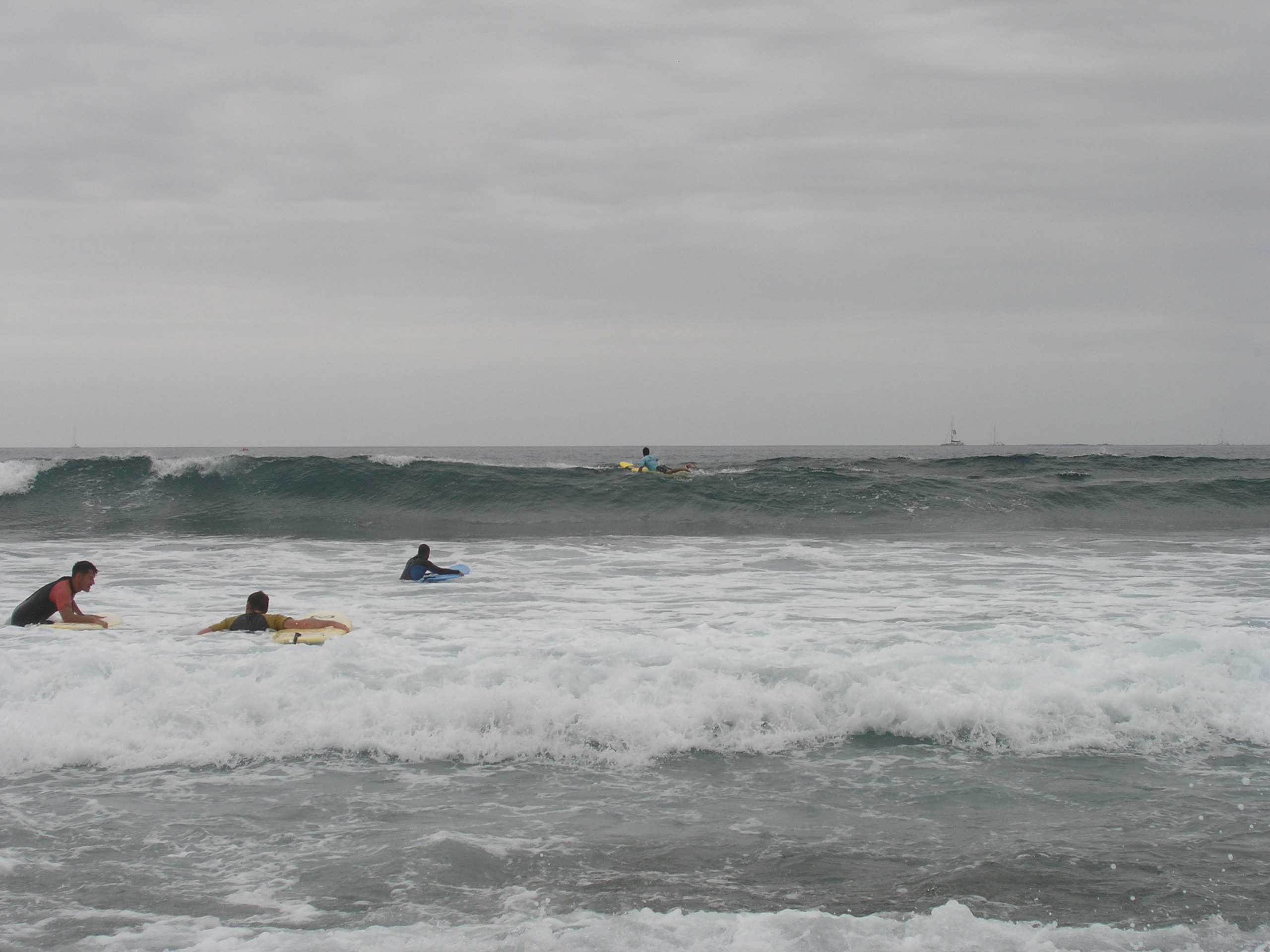 fale i surferzy