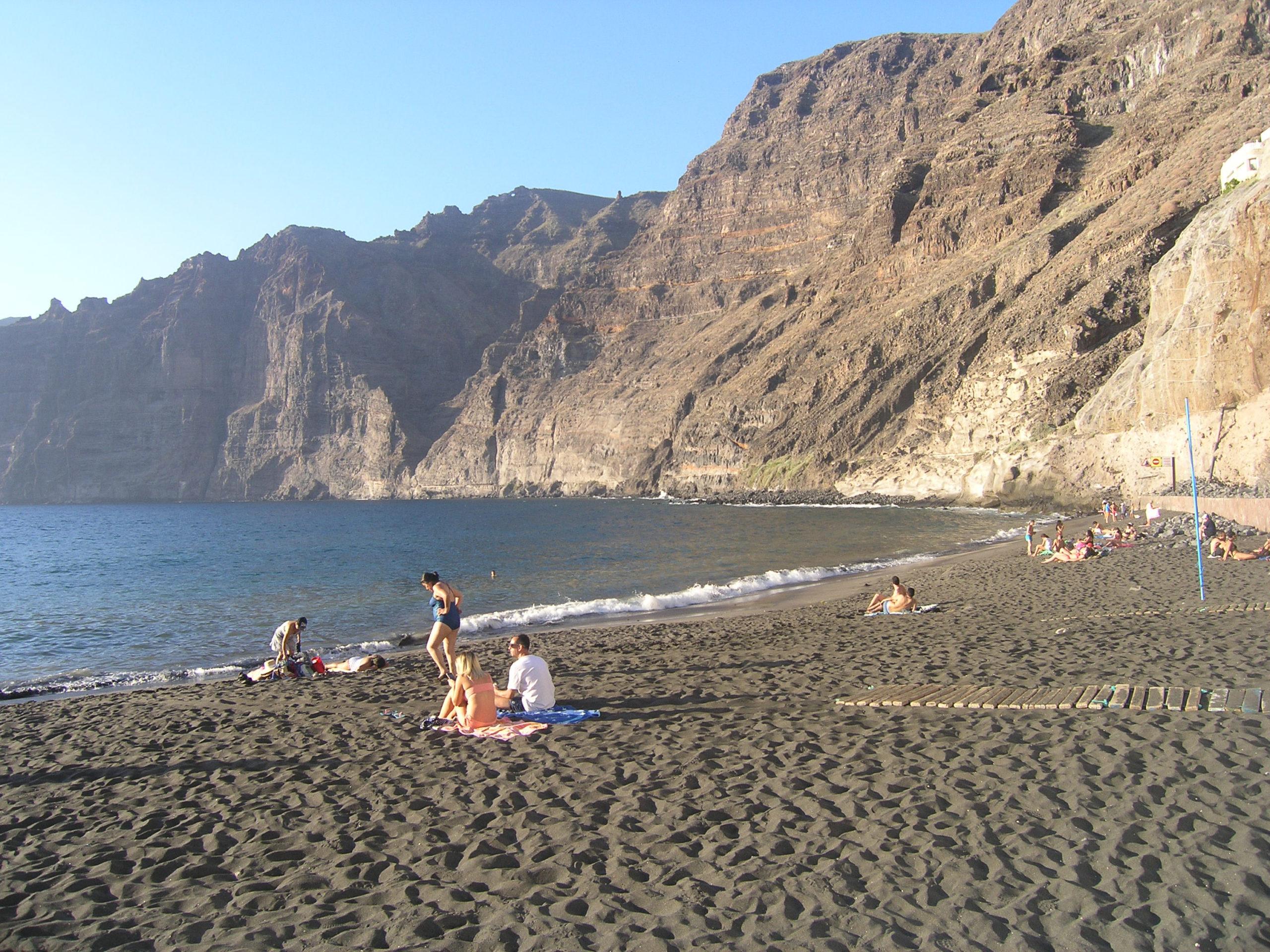 widok na plażę i klif