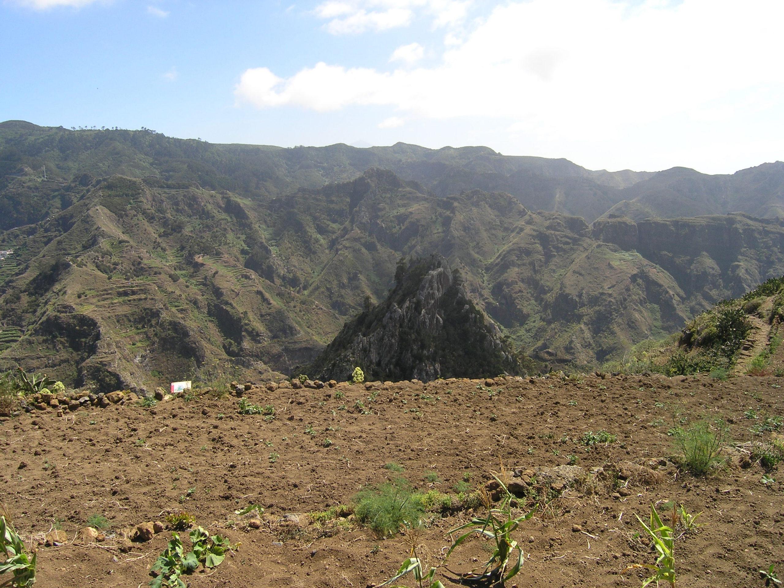 Widok na ziemię i góry