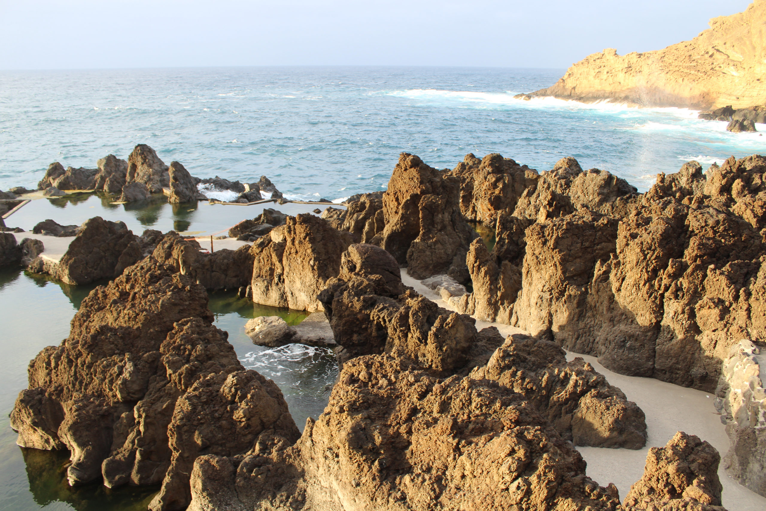 madera widok na zatokę i skały