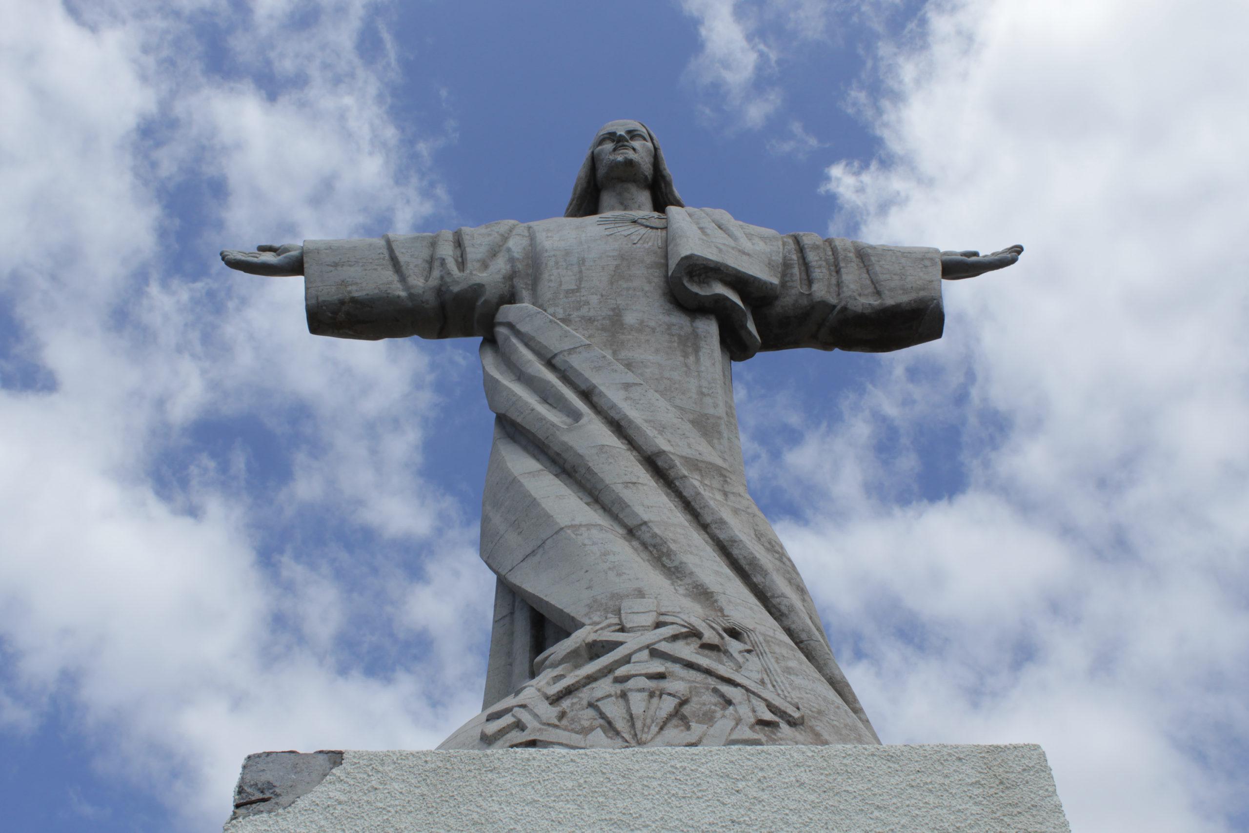 madera pomnik Chrystusa