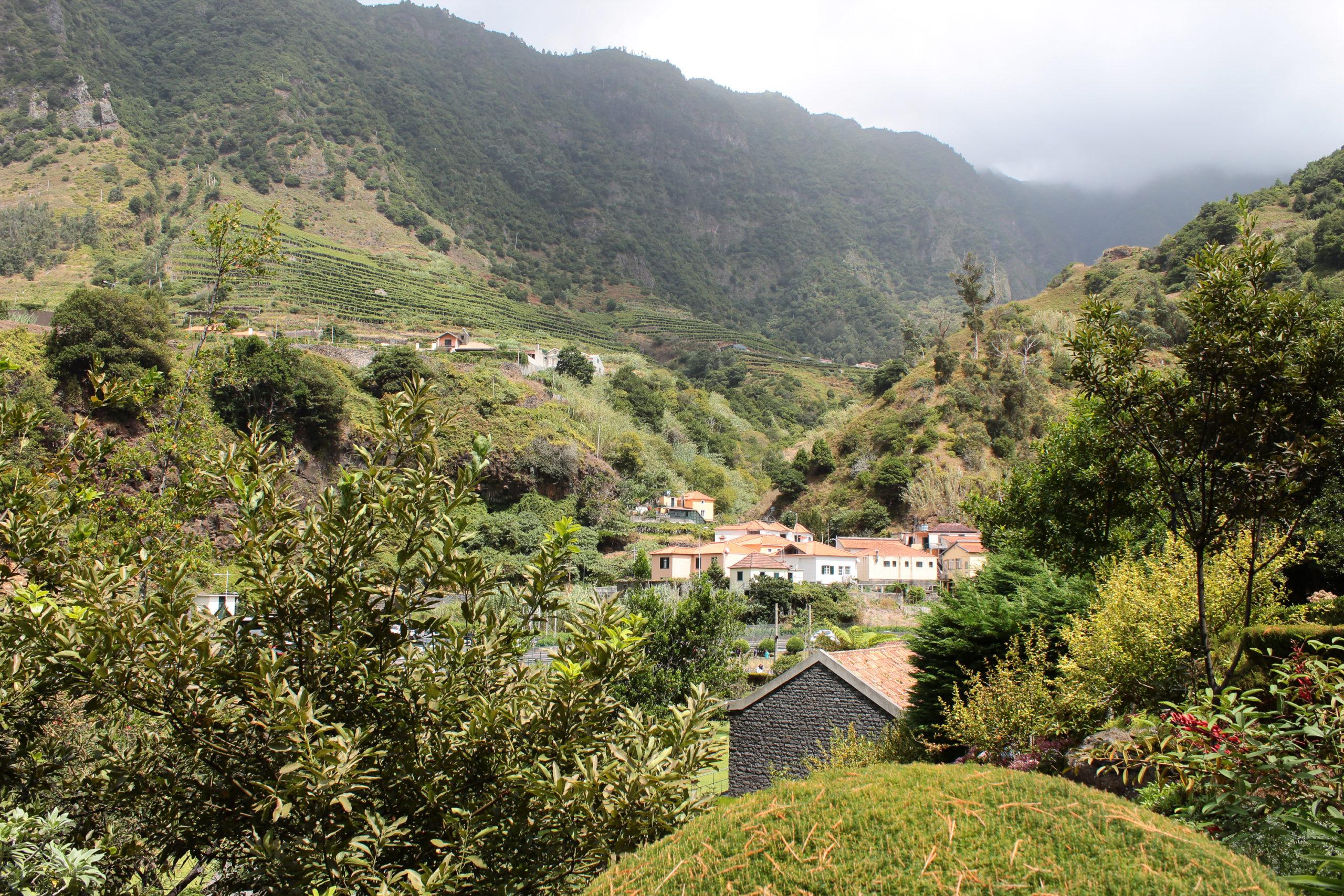 madera widok na góry i budynki