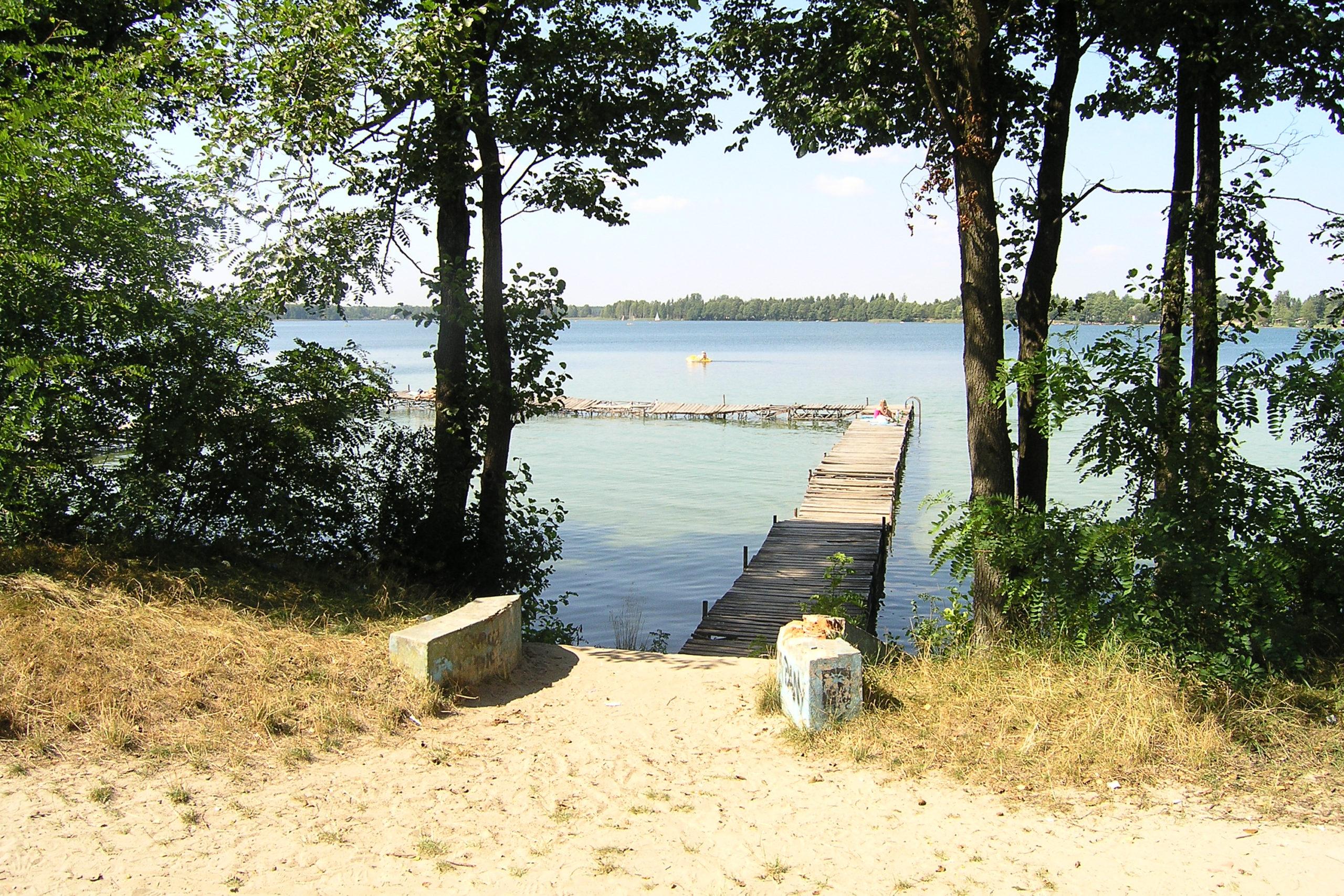 okuninka widok na molo i jezioro