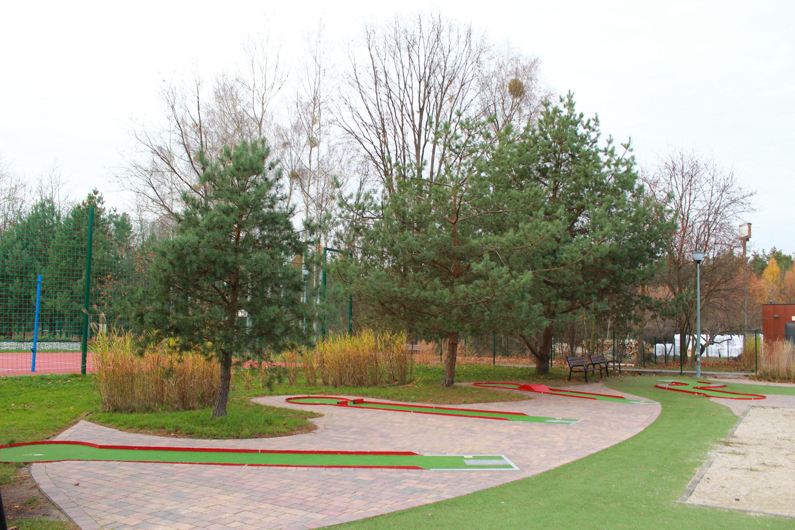 siłownia plenerowa w parku