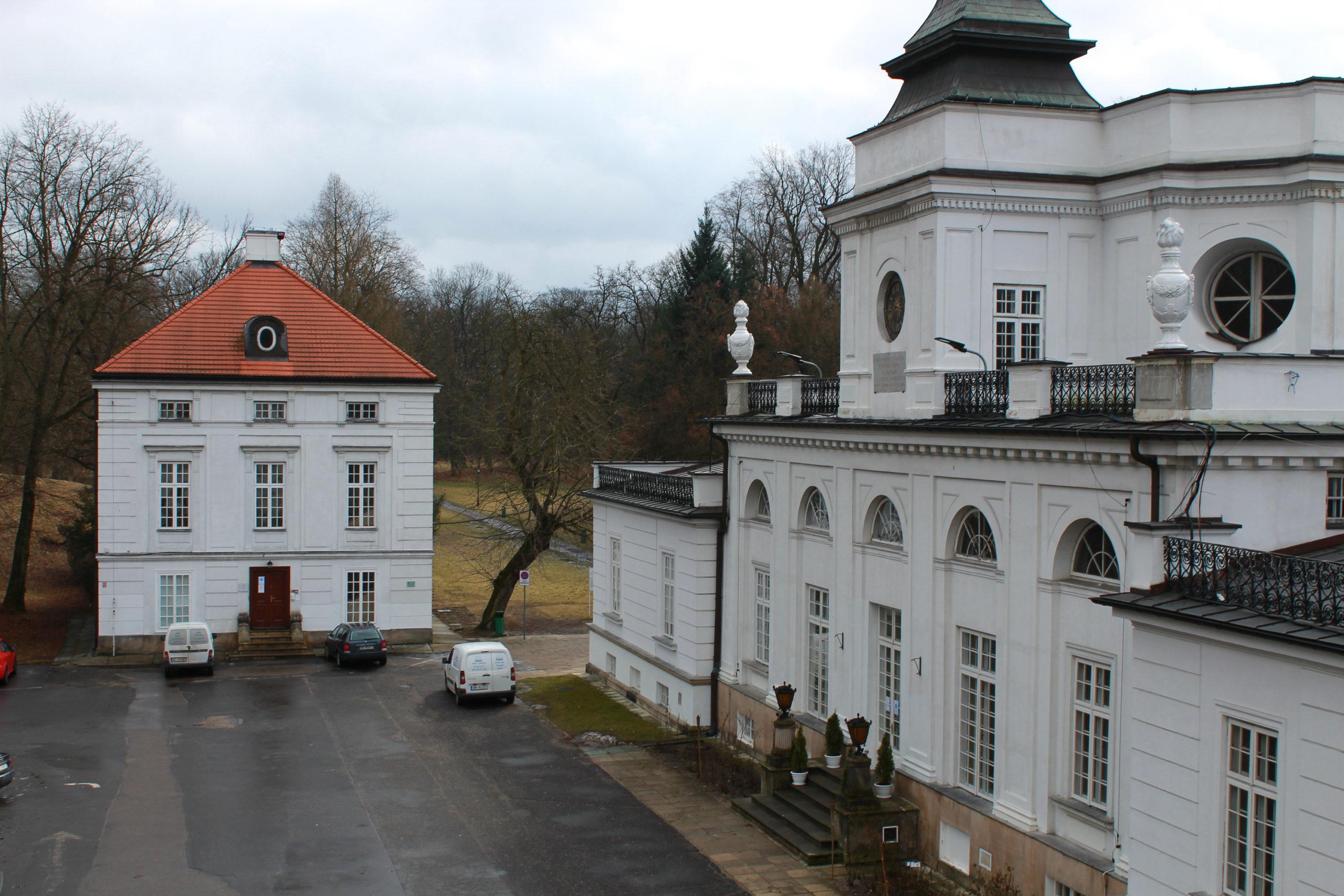 widok z okna na pałac