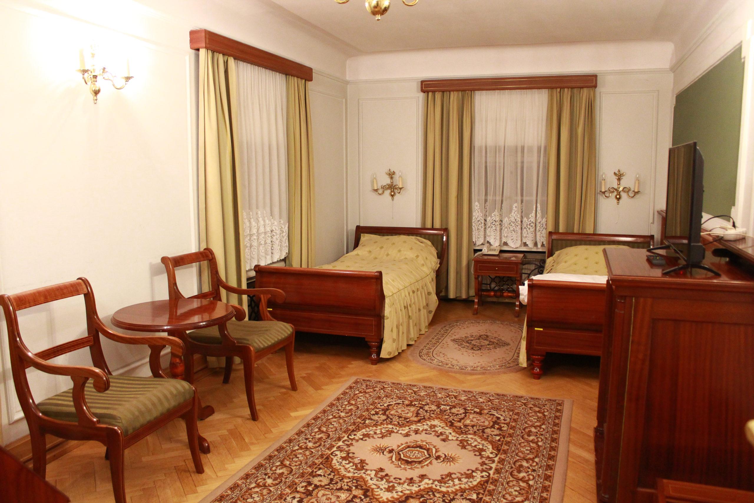 pokój hotelowy w Jabłonnie