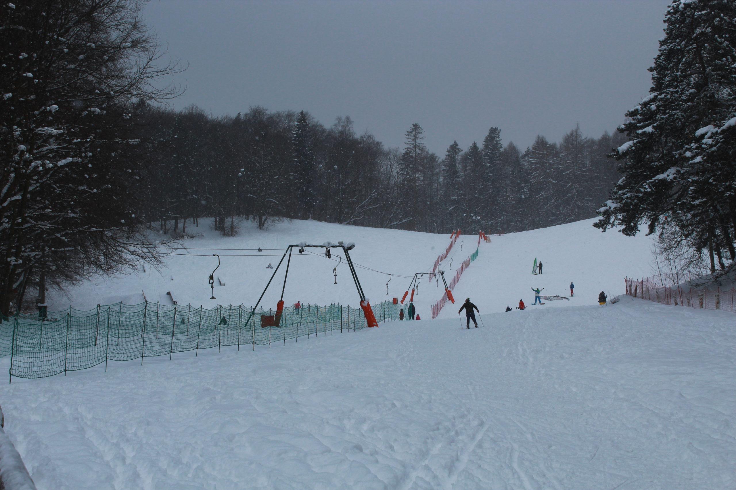 widok na wyciąg narciarski